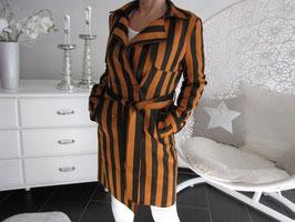 Mantel mit  gestreiftem Design