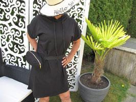 Sommerkleid mit Bauchtasche