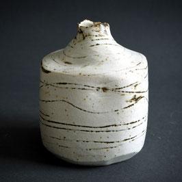 Kleine viereckige Vase