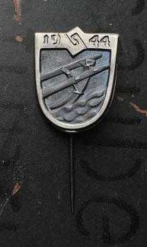 """Знак 1944 год """" Помощь Армии """" , Финляндия ."""