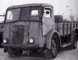 Tracteur Berliet du 75mm anti-aérien modèle 32 (R72206)