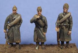 Soldats roumains en tenue d'hiver (x3) (R72423)