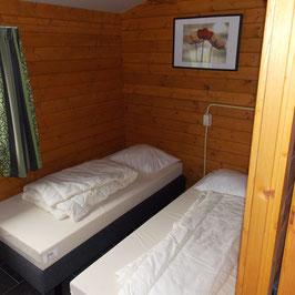 2 Betten für ein Team im Zwei-Bettzimmer  von Freitag bis Sonntag