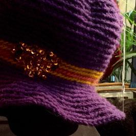 Cloche Violette brodée Sequins Perles