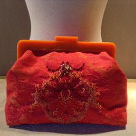 Le Clutch Rouge Orangé brodé Perles