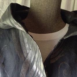 Chemise à Capuche Noire Fleurs d'Argent