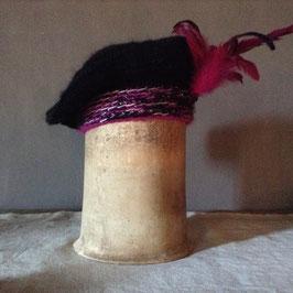 Béret mohair noir à Plumes fuchsia