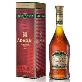 ArArAt Otborny - 0,7 l OLD RANGE