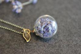 Glaskugelkette Lavendel