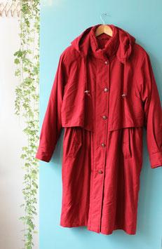 Rode winterjas met capuchon