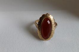Gouden ring met cornalijn