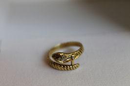 Gouden ring met kleine diamantjes