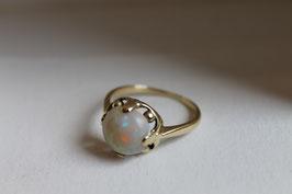 14 karaats gouden ring met opaal