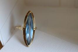 Gouden ring met aquamarijn steen