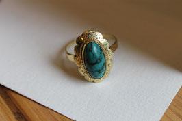 Gouden ring met turquoise steen