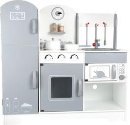 Kinderküche mit Kühlschrank