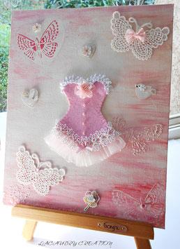 Tableau romantique décoratif , tableau décoration chambre shabby, La mariée en  Corset rose  et les papillons