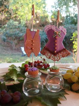 Marque places, Porte dragées Corset et gilet, Fete des vendanges ,décoration de table fête ou mariage