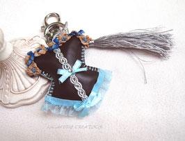 Bijou de sac  CORSET similicuir marron et dentelle turquoise  , bustier guêpière romantique  fait main