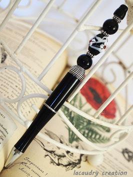 Stylo bijou noir  article papeterie pour homme  et ses perles noires et argent