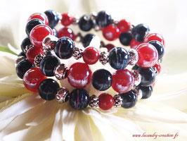 Bracelet fil mémoire femme cadeau chic noel perles de verre rouges et noires, et métal argenté 3 rangs