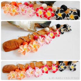 Boucles d'oreilles fleurs exotiques tiaré tipanié , pour oreilles percées, pendantes