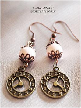 Boucles d'oreilles Donnez moi l'heure, style vintage pour femme , bronze doré