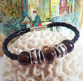 Bracelet marron et noir, simili cuir tressé noir, perle céramique marron, métal argenté et miracle marron, cadeau homme