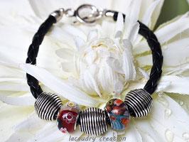Bracelet  homme , perle millefiori rouge et argent,  cordon simili cuir tressé noir