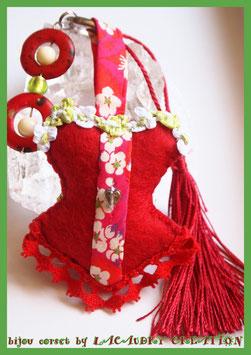Bijou de sac, corset, bustier, Vive le printemps , feutrine rouge  et galon liberty rouge, fait main,
