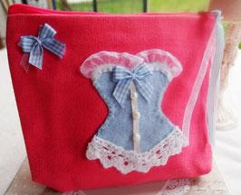 Trousse de toilette ou de maquillage SHABBY  en coton rose  CORSET en feutrine bleu pastel et rubans assortis