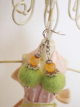 Boucles d'oreilles laine feutrée Vert anis