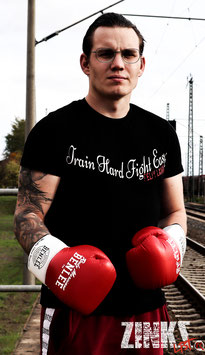Felix Lamm Herren Shirt / Train Hard Fight Easy