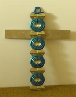 Dekoratives Wandkreuz Holzkreuz mit Kreisform