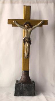 Eindrucksvolles Jesuskreuz im antiken Stil