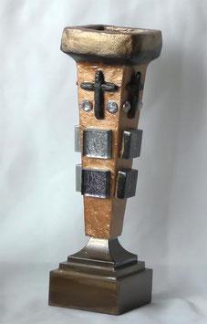 Traditioneller Kerzenständer mit Schmucksteinen Stil antik