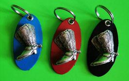 Schlüsselanhänger  mit Westernstiefel-Concha in 3 D,  in 4 Farben