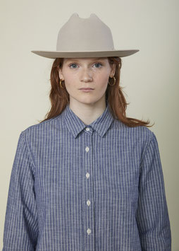 VICTORIA FS505 / Relaxed - small pointed collar / 4 oz, 100% Cotton Indigo Pinstripe Selvedge