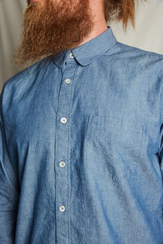 NEWTON MS500 / soft rounded collar / 1 pocket / 156 GSM, 100% cotton, chambray indigo