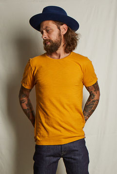 HOMER MT304 / simple t-shirt with the statement bird / deep yellow