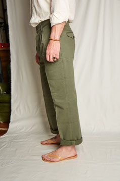 NICOLAS MP004 / Chino Tapered / Cinched Back / Olive Green