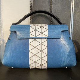 Fuscra Tasche hellblau-weiß Gr.M