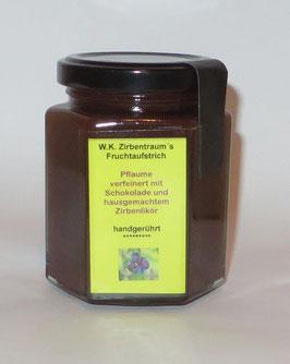 Fruchtaufstrich Pflaume verfeinert mit dunkler Schokolade und unserem Zirbenlikör