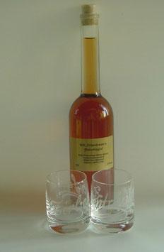 """Zirbenlikör 200 ml + zwei gravierte """"Zirbentröpferl""""- Kristallgläser"""