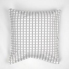 Cushion white black patterned 40x40 - Kissen weiß schwarz gemustert 40x40