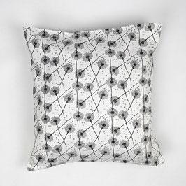 """Cushion """"black/white flowers"""" 40x40 - Kissen """"schwarz/weiße Blumen"""" 40x40"""