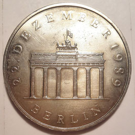 GDR 20 Mark 1990 A - Opening of Brandenburg Gate KM#139 UNC