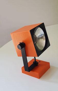 Eckige Wandleuchte/Nachttischlampe in orange 1970