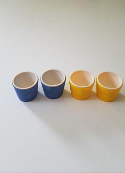 Eierbecher Kunststoff gelb und blau 1970