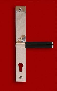HAUS AM HORN S E Bauhaus Schmalrahmen Sicherheitsgarnitur mit Langschildern und rechtwinklig gekröpftem Griff mit Ebenholzhandhabe